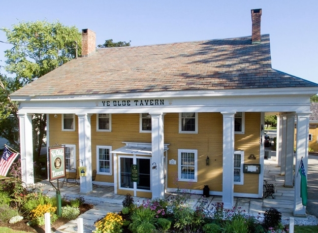 Manchester Center Vermont: Ye Olde Tavern