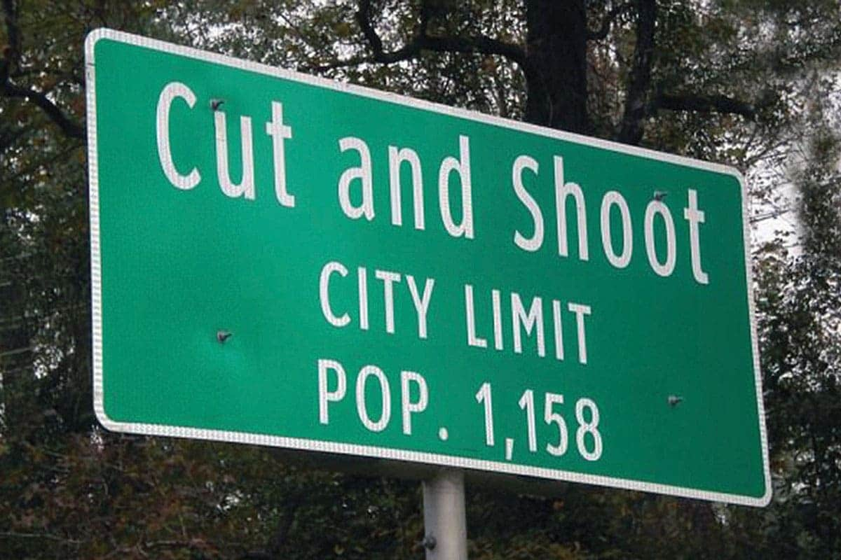 Cut and Shoot, Texas town sign
