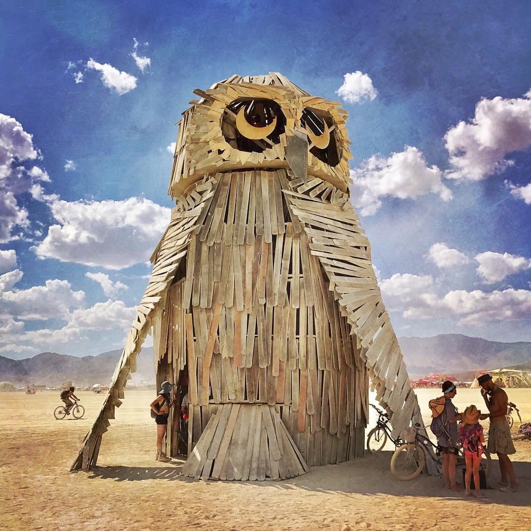 Sculpture of an owl on the beach