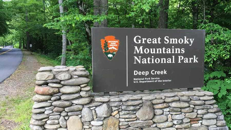 The welcome sign at the Great Smoky Mountains National Park