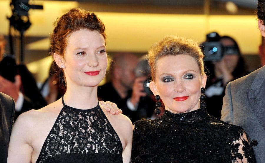 Mia Wasikowska and Robyn Davidson at the Tracks premiere