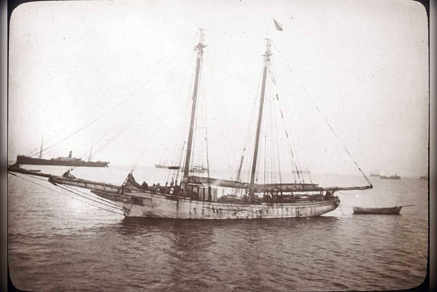 old wooden schooner Emma