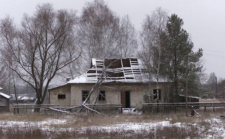 A deserted home in the Dead Zone