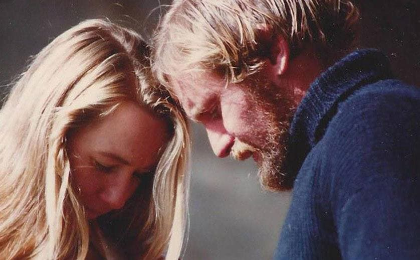 Richard Sharp and Tami Oldham resting their heads on each other