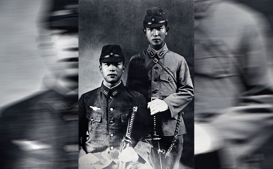 Hiroo Onoda and his younger brother Shigeo Onoda in uniform together