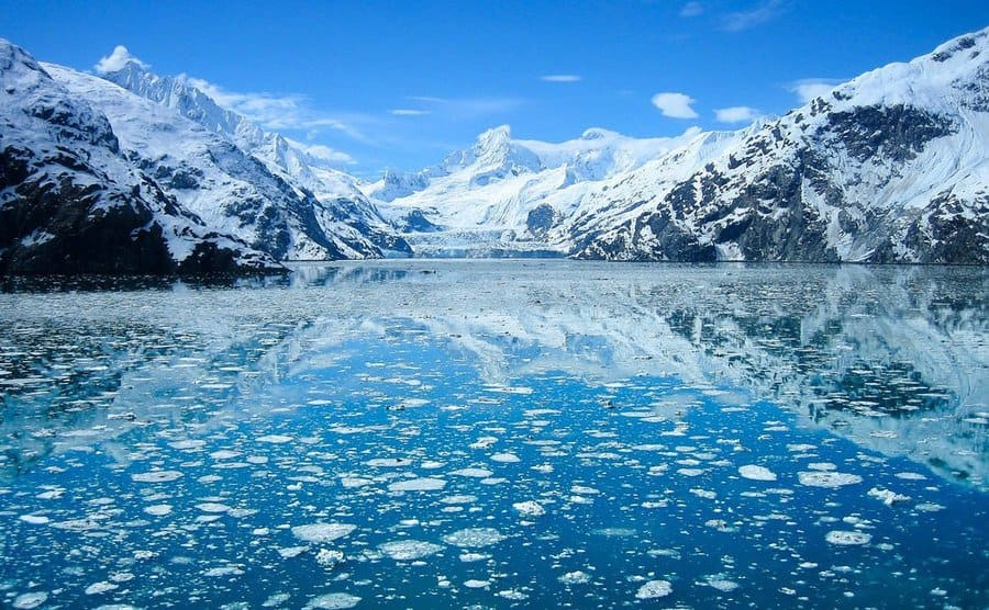 Ice breakingup on the lakes of Alaska, a gourgious view.