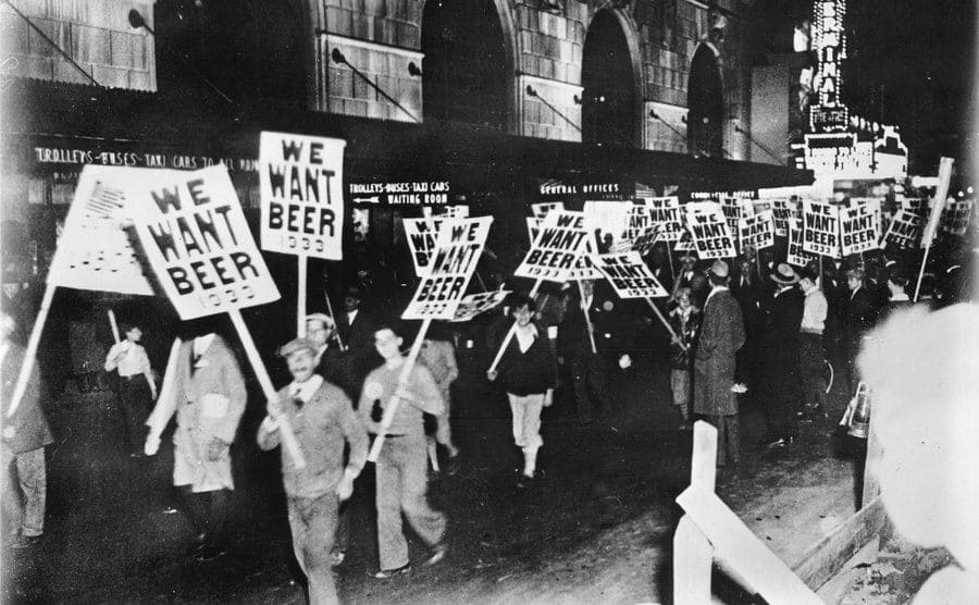 Workers demonstrating against prohibition in the streets of New York, 1933.
