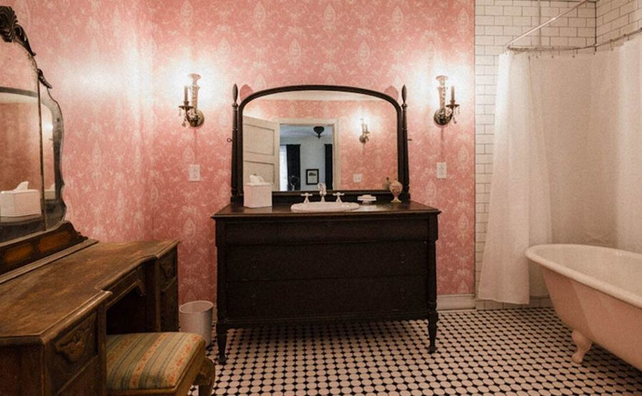 A shot of the room's bathroom.